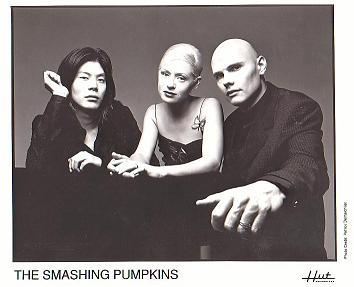 Файл:Smashing pumpkins 1998.jpg