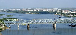 Krasnoyarsk railway bridge 2003.jpg