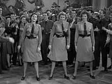 Andrews sisters в buck-privates.jpeg