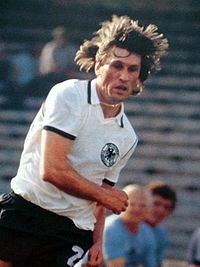 Manfred Kaltz - Germania Ovest - Euro 1980 (2).jpg