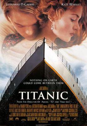 """Áp phích phim thể hiện hình ảnh một người con trai và một người con gái ôm nhau phía trên mũi tàu Titanic. Phần nền là hình ảnh bầu trời hơi nhiều mây và phía trên cùng của poster là tên hai diễn viên chính. Phần giữa poster là tên phim và dòng chữ khẩu hiệu của phim """"Không gì trên thế giới này có thể ngăn cách họ"""", và ở cuối poster là danh sách các phim trước đây có cùng đạo diễn, cùng với danh sách đoàn làm phim, đánh giá và ngày phát hành."""