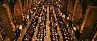 Hogwarts School of Witchcraft and Wizardry 320px-Hogwartsplates_big