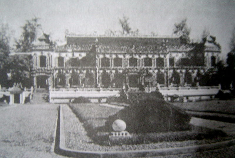 Điện Kiến Trung