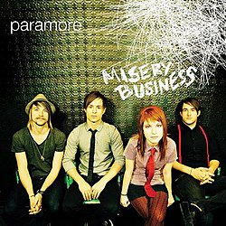Bendeth ve John Janick prodüktörlüğünde piyasaya süren Paramore ...