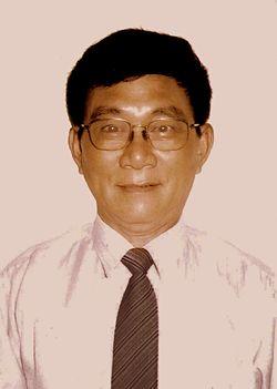 Nguyen Hue Chi (2002).jpg