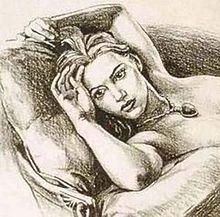 Một bức kí hoạ bằng chì đen thể hiện một cô gái với khuôn mặt nghiêm nghị nằm trên một chiếc ghế và gối trong trạng thái khoả thân, chỉ đeo một chiếc vòng cổ kim cương. Phần hình ảnh từ ngực trở xuống đã bị cắt bỏ.