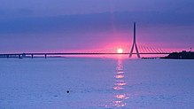 Danjiang Bridge at sunset 2015 rendering.jpg