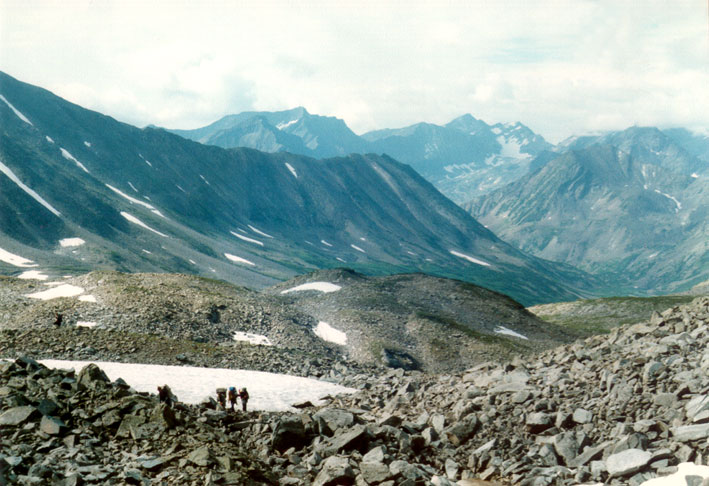 File:Ascent galkina pass moraine.jpg